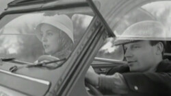 Jeanne Moreau en Jean Marc Bory in hun 2CV in Les Amants, 1958. Screenshot.